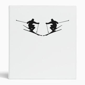Imagen de espejo del esquiador