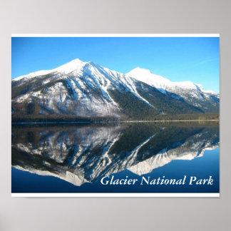 Imagen de espejo del lago McDonald Póster