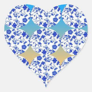 Imagen de la flor de mariposa pegatina en forma de corazón