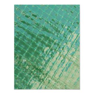 Imagen de la foto de la cubierta plástica verde invitación 10,8 x 13,9 cm