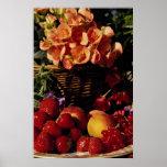 Imagen de la fruta y de las flores poster