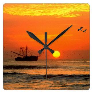 Imagen de la puesta del sol para el reloj cuadrado