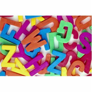 Imagen de letras plásticas coloridas esculturas fotograficas