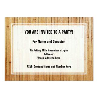 Imagen de pedazos de madera barnizados invitación 11,4 x 15,8 cm