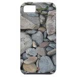 Imagen de piedras en una playa iPhone 5 Case-Mate cárcasas