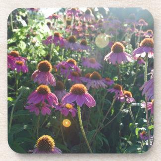 Imagen de un manojo de flores púrpuras posavasos de bebidas