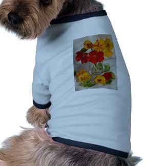 Imagen del arreglo floral camiseta de perro