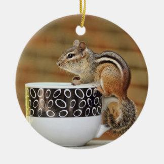 Imagen del Chipmunk con la taza de café de Latte Ornatos