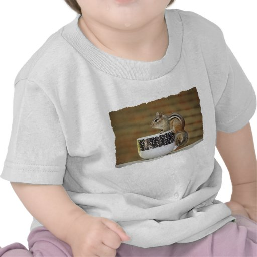 Imagen del Chipmunk con la taza de café de Latte Camisetas