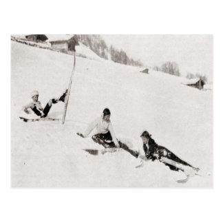 Imagen del esquí del vintage, cayendo abajo postales