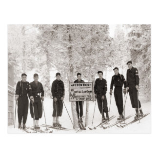 Imagen del esquí del vintage, foto del grupo tarjetas postales