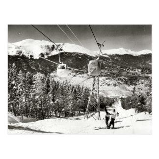 Imagen del esquí del vintage, remonte tarjetas postales
