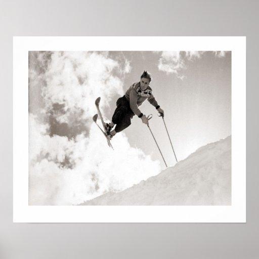 Imagen del esquí del vintage, trucos en los esquís poster