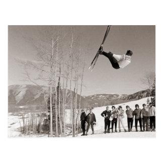 Imagen del esquí del vintage, trucos en los esquís postales