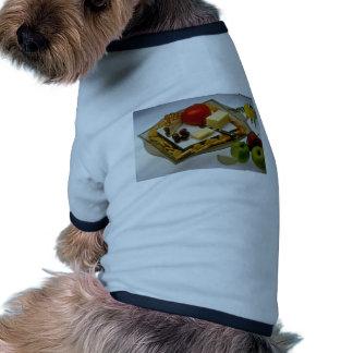 Imagen del queso en un disco camisas de mascota