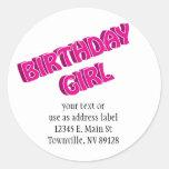Imagen del texto del rosa del chica del cumpleaños etiqueta redonda