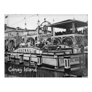 Imagen del vintage de la postal del paseo de la