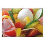 Imagen deliciosa de la comida de la ensalada de la manteles individuales