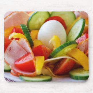 Imagen deliciosa de la comida de la ensalada de la tapete de ratones