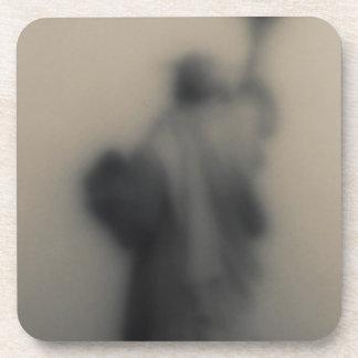 Imagen difundida de la estatua de la libertad posavasos