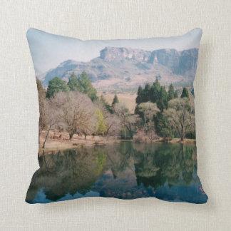 Imagen Drakensberg de la almohada de tiro del