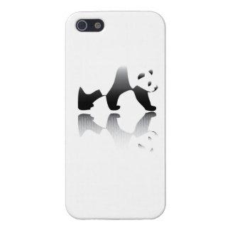 Imagen en peligro del oso de panda iPhone 5 protectores