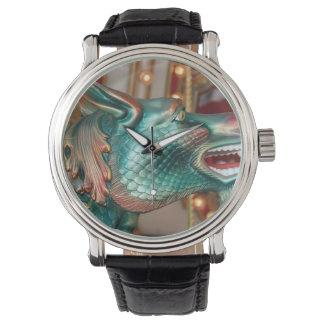imagen justa del paseo principal del carrusel del relojes de pulsera