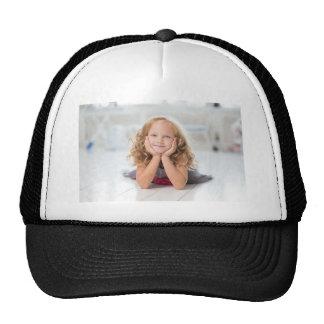 Imagen linda del chica gorras de camionero