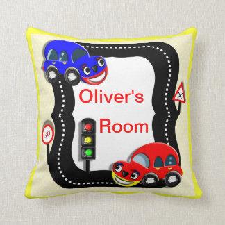 Imagen linda del tema del coche de los niños cojín decorativo