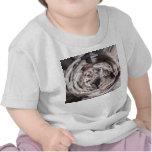 Imagen marrón gris del diseño del caleidoscopio camiseta