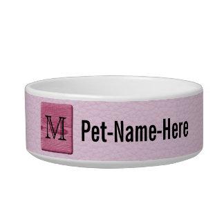 Imagen modelada rosa, con la letra de encargo del  tazones para gatos