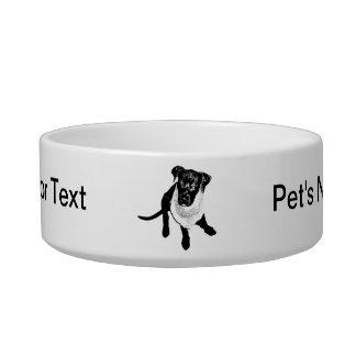 Imagen negra blanco y negro del perrito del labora tazones para gatos