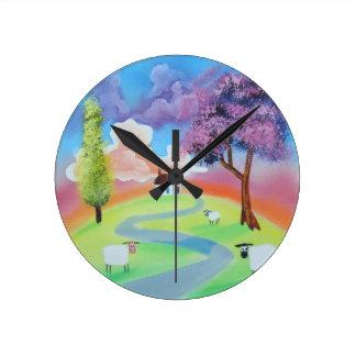 Imagen popular colorida del paisaje de ovejas reloj redondo mediano