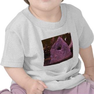 Imagen que esculpe de piedra del ciervo para el camisetas