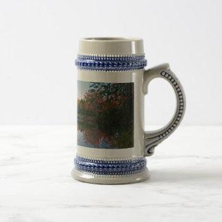 Imagen reflejada jarra de cerveza
