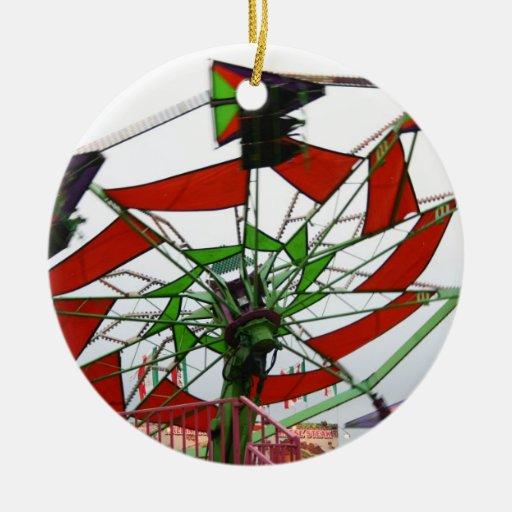 Imagen verde y roja del paseo del planeador justo  ornaments para arbol de navidad