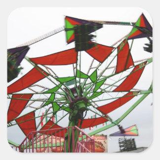 Imagen verde y roja del paseo del planeador justo pegatinas cuadradases personalizadas