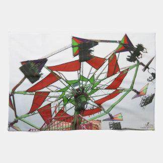 Imagen verde y roja del paseo del planeador justo  toallas de mano