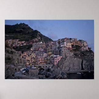 Imágenes de Cinque Terre: Crepúsculo de Manarola:  Posters