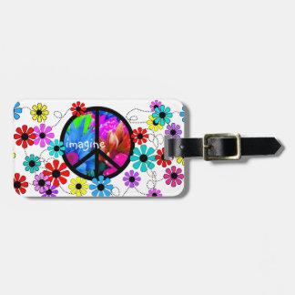 Imagínese el símbolo de paz y las flores retras etiqueta para maleta