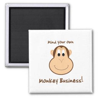 Imán adorable del mono