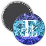 Imán azul de los rosas de la letra E del monograma