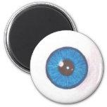 Imán azul espeluznante del globo del ojo