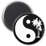 Imán blanco y negro de Yin Yang de la palmera