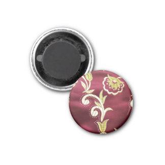 Imán bordado floral de Borgoña
