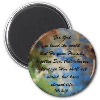 Imán con el 3:16 de Juan del verso de la biblia