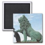 Imán con la estatua del león