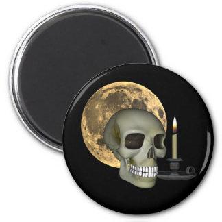 Imán de Halloween con la luna y la vela del cráneo