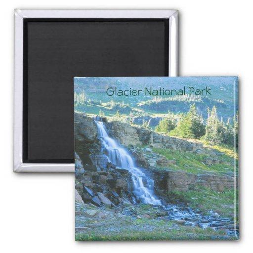 Imán de la cascada del Parque Nacional Glacier