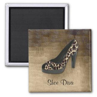 Imán de la diva del zapato del leopardo